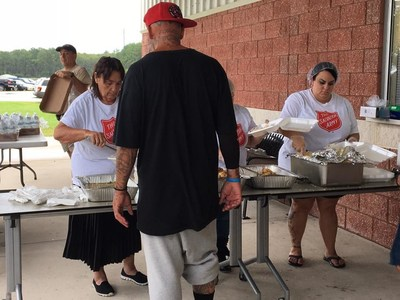 The Salvation Army in Volusia County, Florida, provides warm meals to evacuees residing at the shelter for Hurricane Irma. (CNW Group/The Salvation Army)