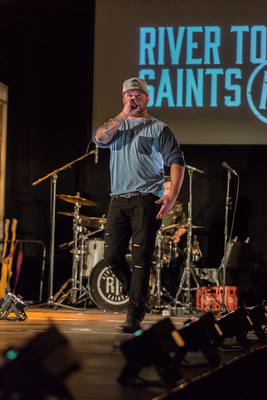Ottawa's own River Town Saints performed for the crowd during the fashion show (CNW Group/Giant Tiger Stores Limited)