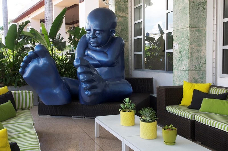 Giant Blue Baby Foot by Idan Zareski in front of Sagamore Hotel Miami Beach