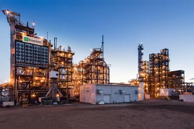 Une photo de l'usine novatrice d'Enerkem de biocarburants  à Edmonton, la première usine au monde à l'échelle commerciale à produire de l'éthanol cellulosique à partir de matières résiduelles urbaines mixtes non recyclables et non compostables. (Groupe CNW/Enerkem Inc.)