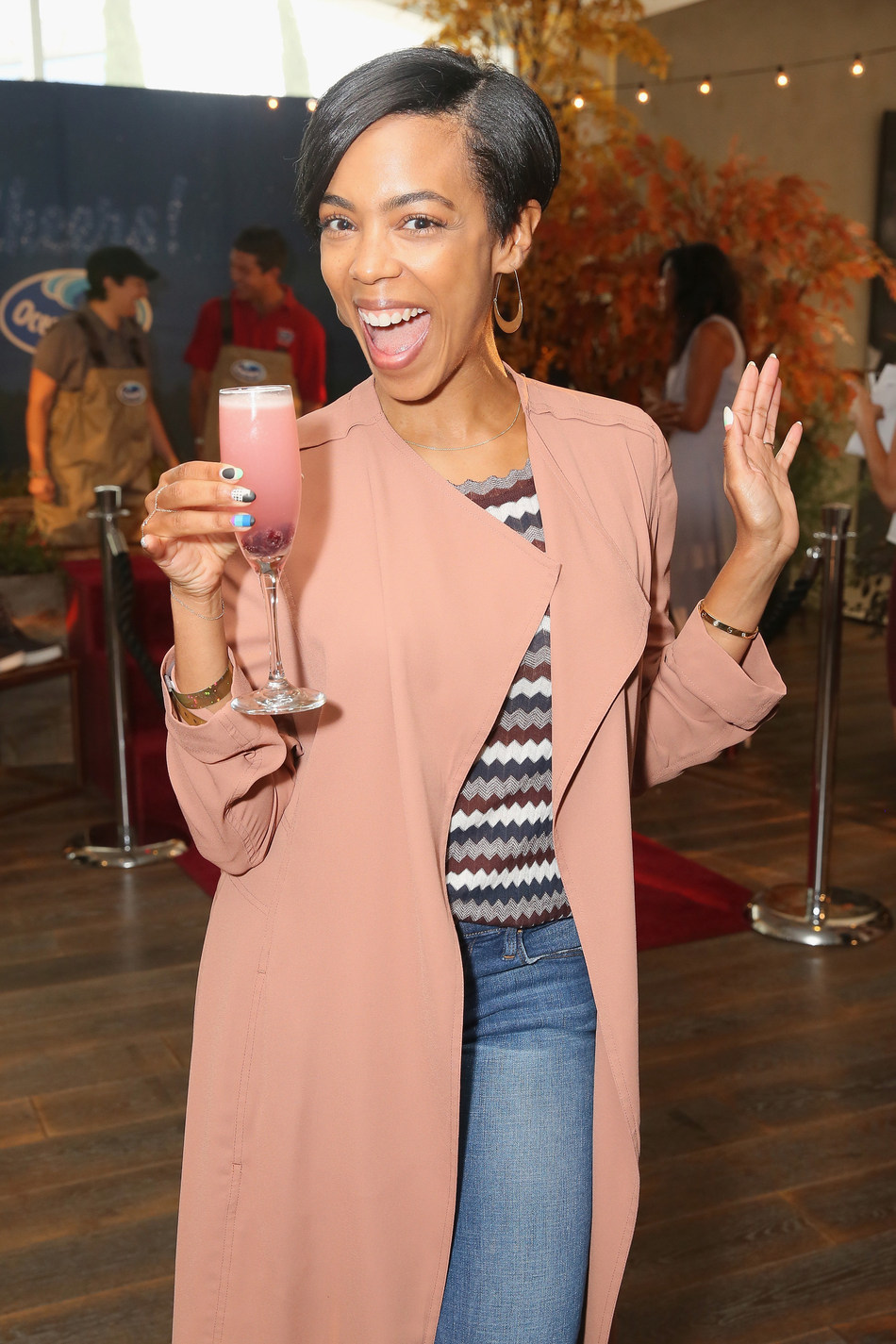 Ballers actress Jazmyn Simon sips like the star she is at the Kari Feinstein Style Lounge Thursday, Sept. 14 in Los Angeles. The Chuckle Chaser cranberry cocktail by Ocean Spray kept guests smiling all day. (PRNewsfoto/Ocean Spray)