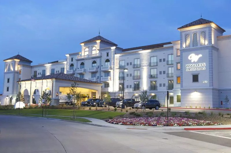 Woolleys Classic Suites, Aurora, Colo.