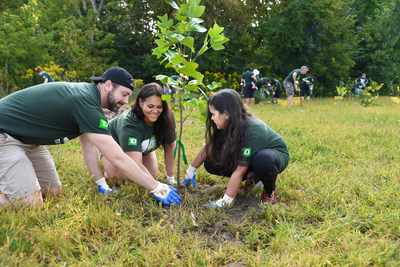 The London community celebrates the planting of TD Tree Day's 300,000th tree with the support of the Upper Thames River Conservation Authority. The flagship volunteer program has been greening Canada since 2010. (CNW Group/TD Bank Group)
