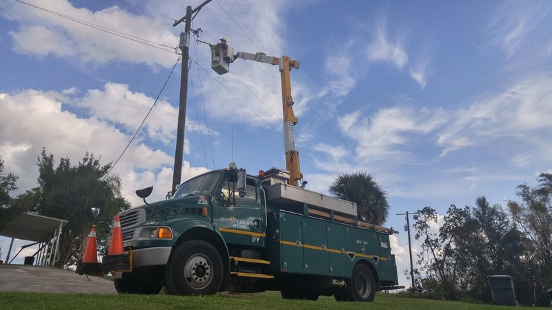 Toronto Hydro crews spent more than three days restoring power in the Tampa area of Florida (CNW Group/Toronto Hydro Corporation)