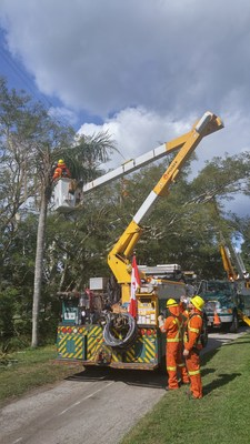 After helping to restore power in Florida following Hurricane Irma, Toronto Hydro crews are now travelling to Long Island. (CNW Group/Toronto Hydro Corporation)