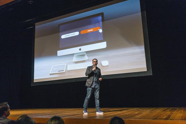 Vindi co-founder Rodrigo Dantas announcing the acquisition of Smartbill.