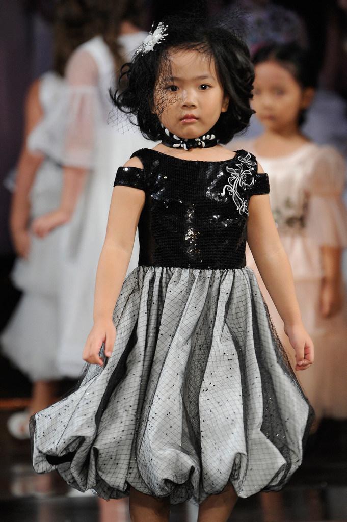 A model walks for DKLTJU