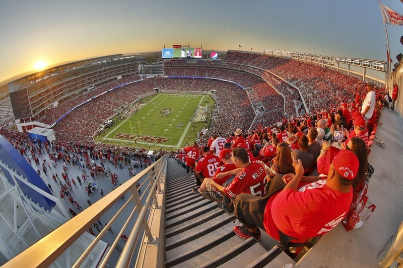 49ers fans can enjoy game day promotions at Santa Clara businesses. For a list of pre-game activities, visit www.SantaClara.org/49ers.