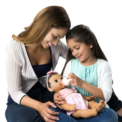 Luvabella is so lifelike and easy to love, they're great preparation for children waiting to welcome a new sibling into the family. (CNW Group/Spin Master)
