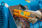 Fluke T6 Electrical Testers with FieldSense Technology allow electricians to measure -- not just detect --  voltage and current without test leads