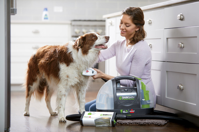 BarkBath, BISSELL's first dog washing system, launches in Canada. (CNW Group/BISSELL Canada)