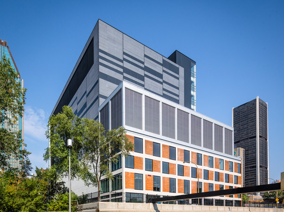 Official Opening of the Downtown Montreal Data Centre: Montreal's only true stand-alone, purpose-built data centre (Stephan Poulin, photographer) (CNW Group/Fonds immobilier de solidarité FTQ)