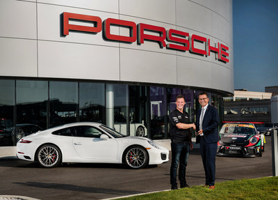 Alexander Pollich (right), President and CEO for Porsche Cars Canada, Ltd., presented Scott Hargrove (left) with the keys to a 2017 Porsche Carrera S that he will have the pleasure of driving for a year as the 2017 champion of the Ultra 94 GT3 Cup Challenge Canada by Yokohama. (CNW Group/Porsche Cars Canada)