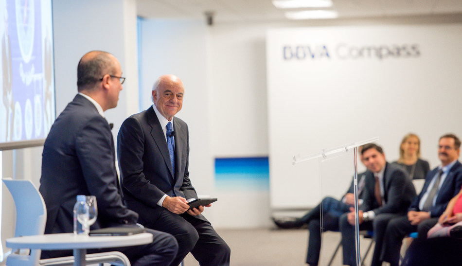 BBVA Executive Chairman Francisco González, right, with BBVA Compass CEO Onur Genç at an event for employees at BBVA Compass Plaza during his visit to Houston on Friday.