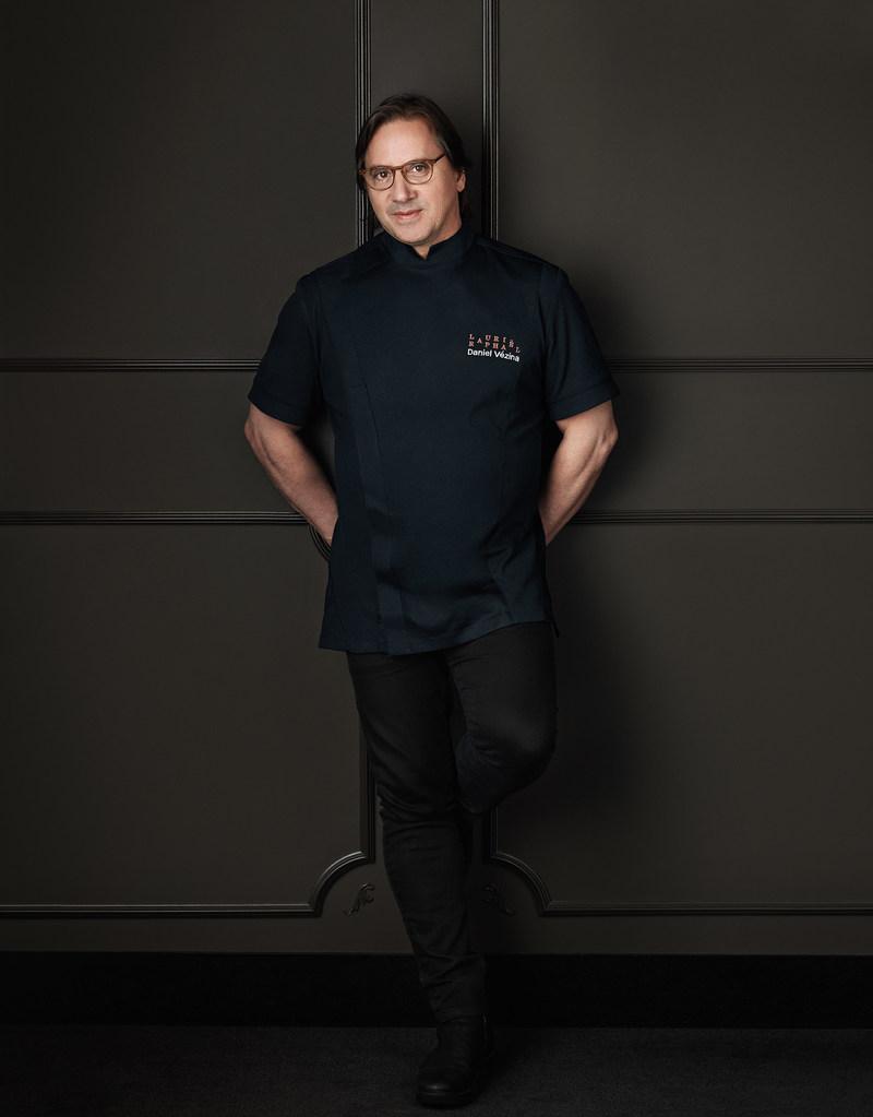 Chef Daniel Vézina (CNW Group/Transat A.T. Inc.)
