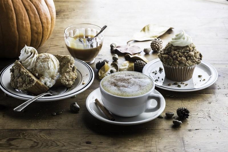 Mimis Pumpkin Spice Latte, Pumpkin Spice Muffin and Pumpkin Spice Muffin Sundae