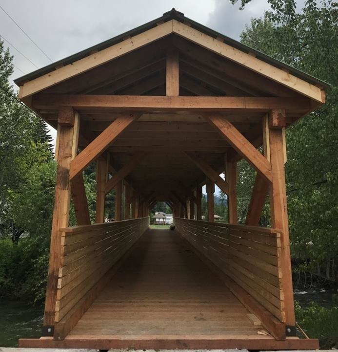 AKBLG -- Association of Kootenay Boundary Local Governments: Village of Salmo for the 6th Street Pedestrian Covered Bridge (CNW Group/Canadian Wood Council for Wood WORKS! BC)