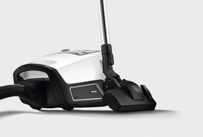 Blizzard, the first bagless vacuum cleaner from Miele, sets a new standard of convenient hygiene with its innovative three stage filtration system and powerful clean (CNW Group/Miele Canada)