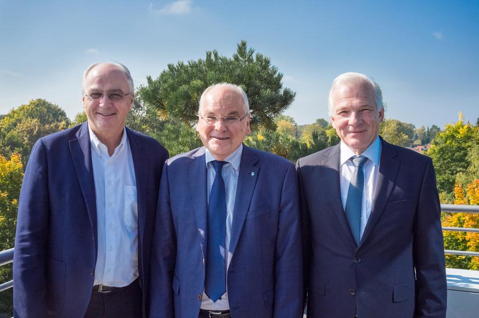The Caruso Data Platform Secures ATR International as a New Shareholder.(l. to r.): Jürgen Buchert (Managing Director of TecAlliance); Roland Dilmetz (CEO of ATRI); Kurt Schnyder (Chairman of the Supervisory Board of ATRI) (PRNewsfoto/Caruso GmbH)
