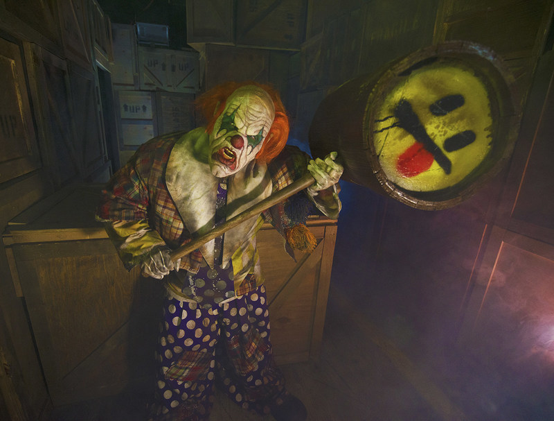 13 Haunted Houses So Scary They Ll Have You Running To Mommy