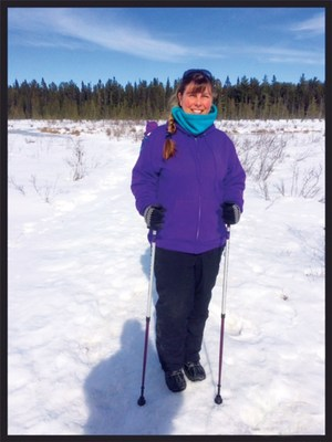 Stroke survivor Lynn Bellanger with her ACTIVATOR walking poles from Urban Poling. (CNW Group/March of Dimes Canada)