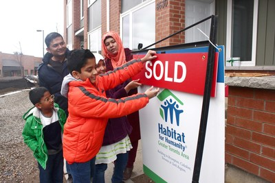 Habitat for Humanity GTA encourages families to apply to become homeowners. (CNW Group/Habitat for Humanity GTA)
