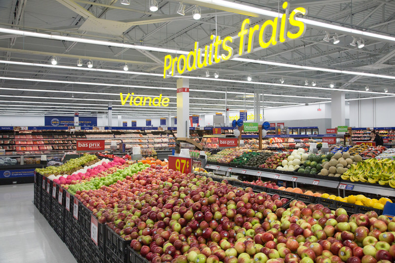 Walmart Canada unveiled its brand new Montérégie Supercentre, located in Longueuil. The event also served as the official launch for the first prototype store in Quebec featuring many innovations including Scan & Go, as well as, the new grocery pickup service. (CNW Group/Walmart Canada)