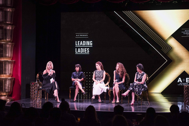 Panel Leading Ladies: Daniela Martínez, Constance Zimmer, Shiri Appleby, Jimena Urquijo y Eliana Venegas