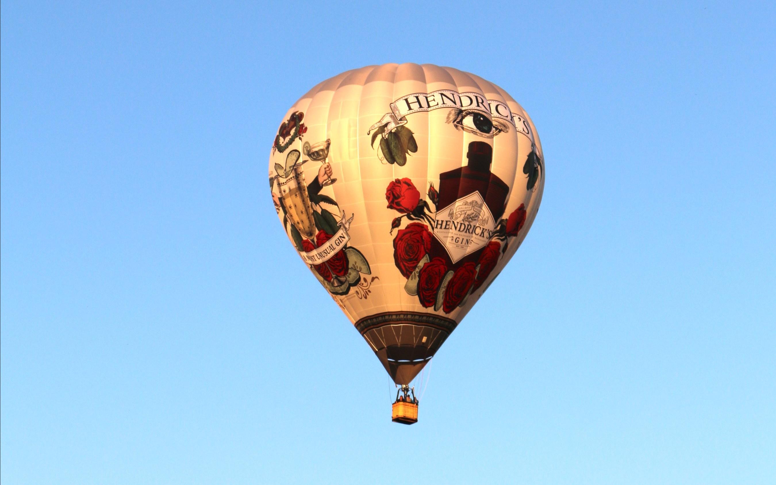 af1e56d81a13 Hendrick_s_Gin_Hendrick_s_Gin_Hot_Air_Balloon_Takes_Flight_at_Nu.jpg?p=publish