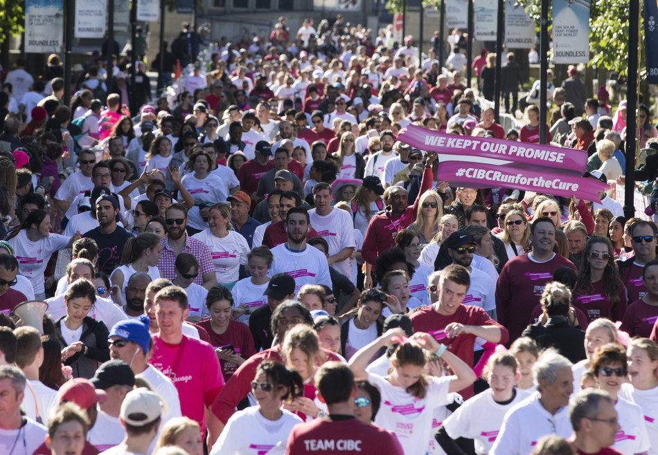 Tens of thousands of Canadians keep their promise, committing to change the future of breast cancer at the 2017 Canadian Cancer Society CIBC Run for the Cure. Fundraising continues at CIBCrunforthecure.com (CNW Group/CIBC)