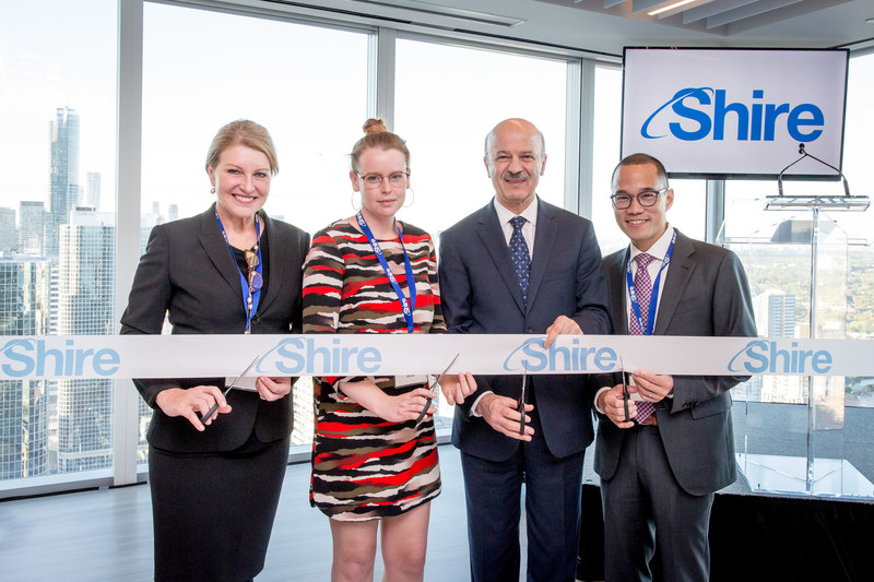 Cutting the ribbon at the Official Opening of Shire Canada.  From left to right: Kim Stratton, Head of International Commercial - Shire; Kate White, Director - The National Gaucher Foundation of Canada; The Hon. Reze Moridi - Ontario Minister of Research, Innovation and Science; Eric Tse, General Manager - Shire Canada. (CNW Group/Shire Pharma Canada ULC)