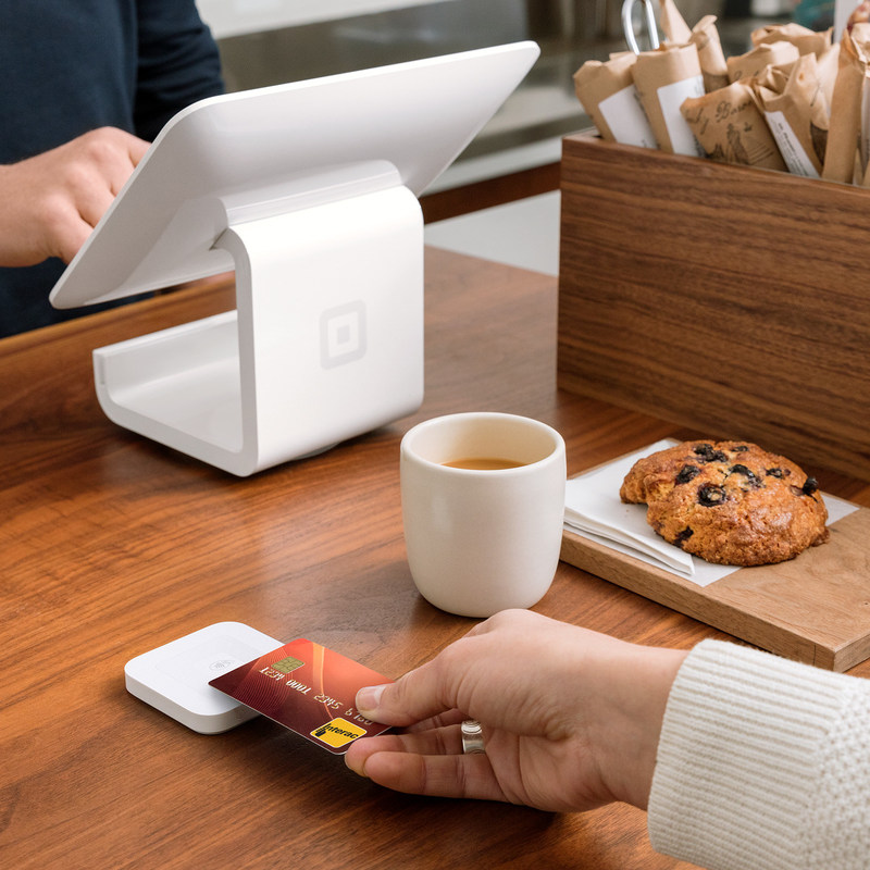 The new Square Contactless and Chip Reader makes it faster and easier for customers to pay with debit and credit cards at their favourite local businesses. (CNW Group/Square Inc.)