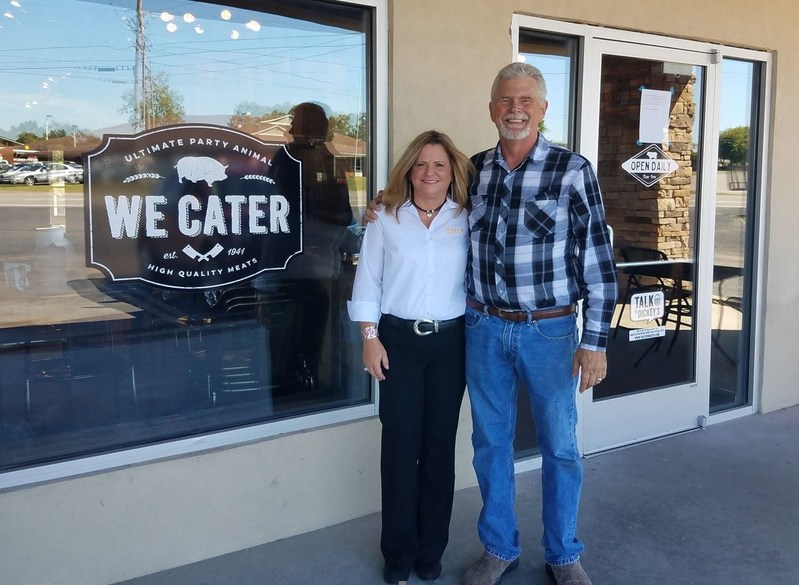 Dickey's franchisees Ron and Tricia Burkett open their first location in Lebanon, TN.