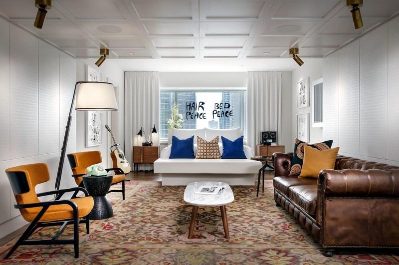La Suite 1742 du Fairmont Reine Élizabeth, nouvellement redessinée par Sid Lee Architecture. (Groupe CNW/UNLTD)