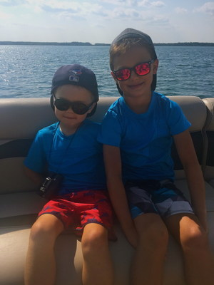 Lennon and Louis Roe, Clear Lake, Manitoba, August 2017 (CNW Group/The Family of Tara Roe)