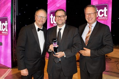 Actor Robert Llewellyn (left), Sciaky's Jay Hollingsworth (center), and Stefan Ritt of SLM Solutions Group AG (right) at the TCT Awards Ceremony. Sciaky's EBAM industry-leading metal 3D printing technology won the Best Aerospace Application Award for its successful titanium propellant tank application with Lockheed Martin Space Systems.