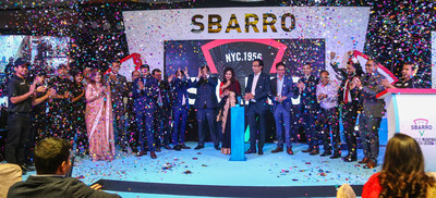 Pictured: Khan Bahadur Group and Sbarro Management Teams.