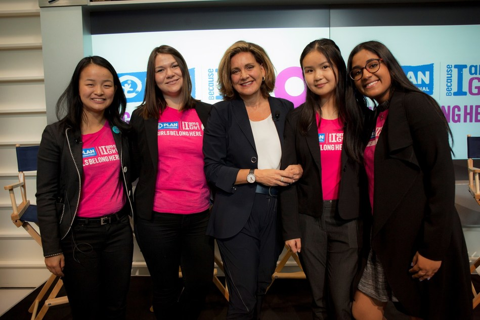 Lisa LaFlamme, CTV National News Chief Anchor and Plan International Canada Celebrated Ambassador, is joined by four of Plan International Canada's #GirlsBelongHere participants at the Toronto Stock Exchange to discuss the barriers girls face when pursuing their career aspirations and the solutions to overcome them. The panel discussion was part of Plan International Canada's celebrations on the sixth annual International Day of the Girl on Oct. 11. (CNW Group/Plan International Canada)