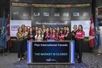 'Suits' star and Plan International Canada Celebrated Ambassador, Sarah Rafferty, author and former Conservative Leader, the Honourable Rona Ambrose, and Plan International Canada President and CEO, Caroline Riseboro, join a group of supporters and youth ambassadors to ring the closing bell at the Toronto Stock Exchange and round out the sixth International Day of the Girl. (Photo: Geoff Parkin) (CNW Group/Plan International Canada)