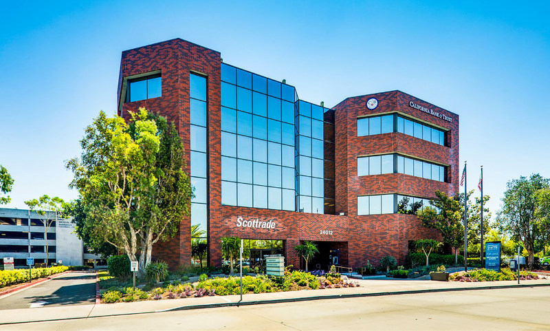 Laurus Corp. acquires Saddleback Financial Center in pre-eminent South Orange County.