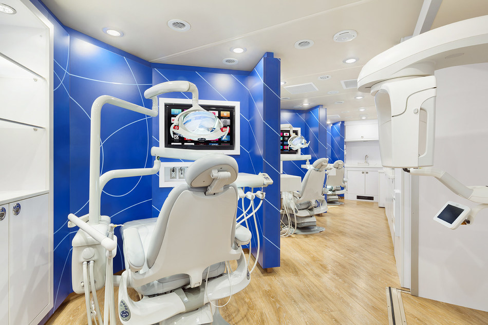 (PRNewsfoto/HENRY The Dentist)
