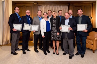 Greater Zurich Area appointed eight U.S. executives, entrepreneurs and influencers as Greater Zurich Honorary Ambassadors. Suzi LeVine, former U.S. Ambassador to Switzerland and Liechtenstein, commenced the ceremony. Award ceremony on October 11, 2017, in the residence of the Consul General of Switzerland in San Francisco. (PRNewsfoto/Greater Zurich Area AG)