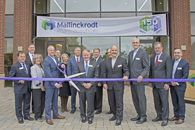 U.S. Congressman Leonard Lance (NJ-7) joins Mallinckrodt Pharmaceuticals executives, New Jersey state legislators, local dignitaries and members of the Bedminster, N.J., community to officially open Mallinckrodt's Bedminster Specialty Brands office, which will house a workforce of nearly 500 employees.