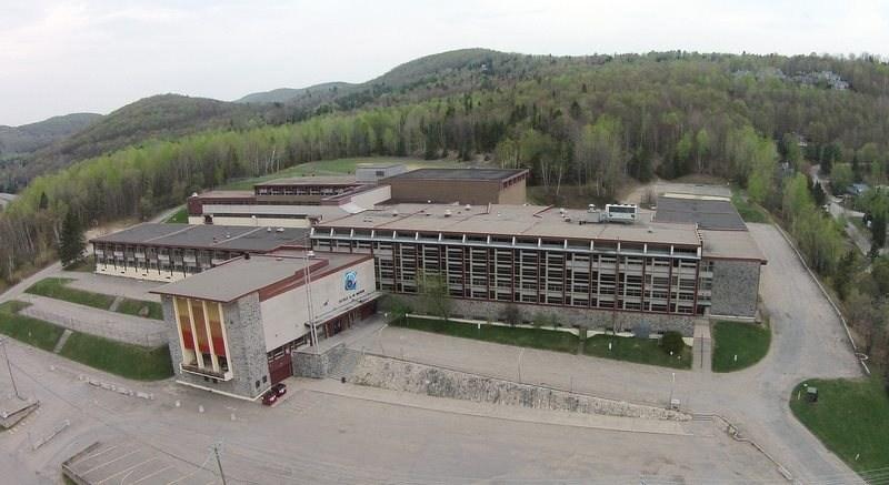 École secondaire Augustin-Norbert-Morin. (Groupe CNW/Cabinet de la ministre des Relations internationales et de la Francophonie)
