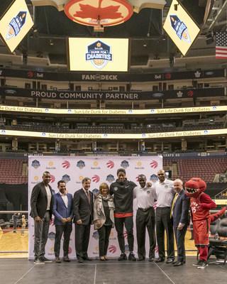 La Financière Sun Life,  les Raptors de Toronto, la NBA Canada et les Repaires jeunesse du Canada s'unissent pour lancer la campagne nationale Basket pour le diabète. (Groupe CNW/Financière Sun Life inc.)