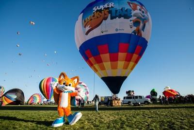 XBox define recorde mundial no Guinness com um balão de ar quente Super Lucky's Tale personalizado