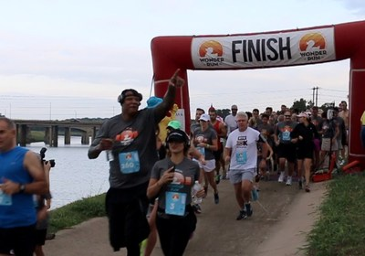 "Galderma, a Nestlé Skin Health company and maker of Cetaphil, served as lead sponsor for the third annual ""Wonder Run"" benefiting Children's Skin Disease Foundation (CSDF). Here, former NBA player Charlie Villaneuva heads out on the 5K with more than 500 runners."