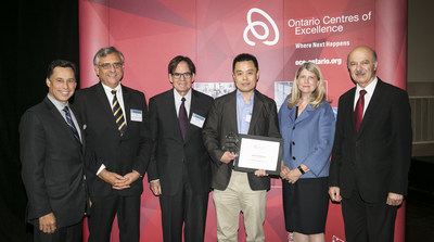 L-R Minister Brad Duguid, Dr. Tom Corr, Michael Nobrega, Professor Zhou Wang of SSIMWAVE Inc. who accepted the award on behalf of Dr. Abdul Rehman, Jane D. Allen, Minister Reza Moridi. (CNW Group/Ontario Centres of Excellence Inc.)
