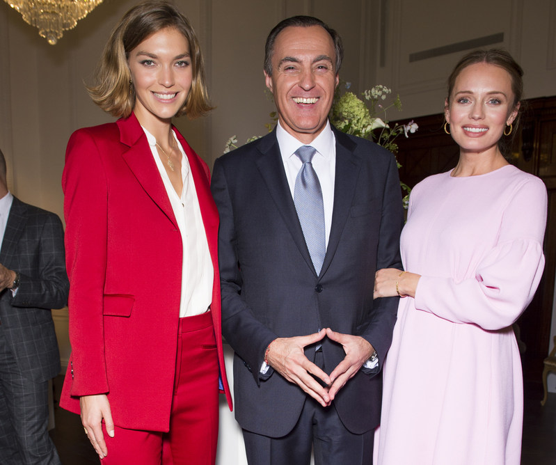 Arizona Muse, Model, LauraHaddock, Actress and President and CEO of Birks, Jean-Christophe Bédos at the Birks Jewellery Launch at Canada House. (CNW Group/Birks Group Inc.)