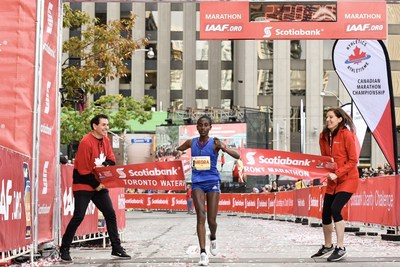 Marta Megra took first place for the women at the Scotiabank Toronto Waterfront Marathon with a time of 2:28:20. (Photo credit Todd Fraser) (CNW Group/Scotiabank)